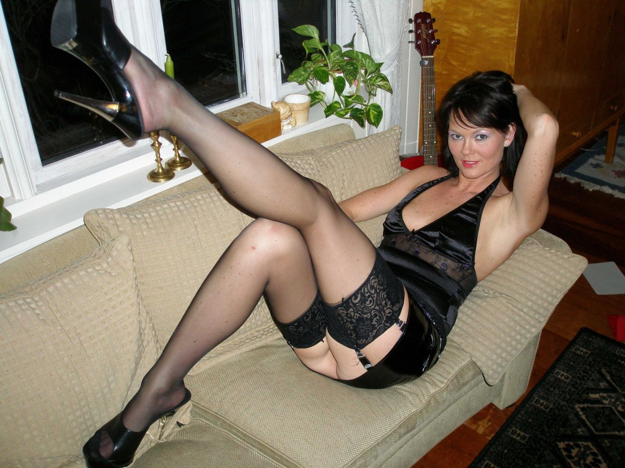 Hot mature red sexy underwear, lady sexy shape coset with