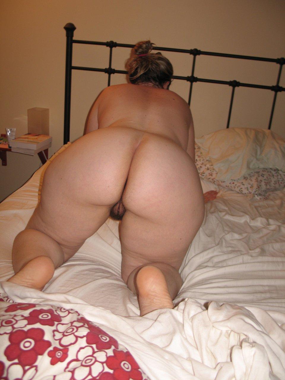 Big booty mature nude pics, women porn photos