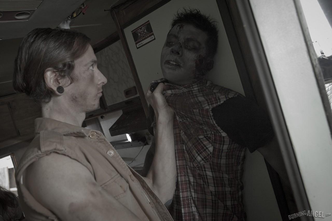 Зомби Трахает