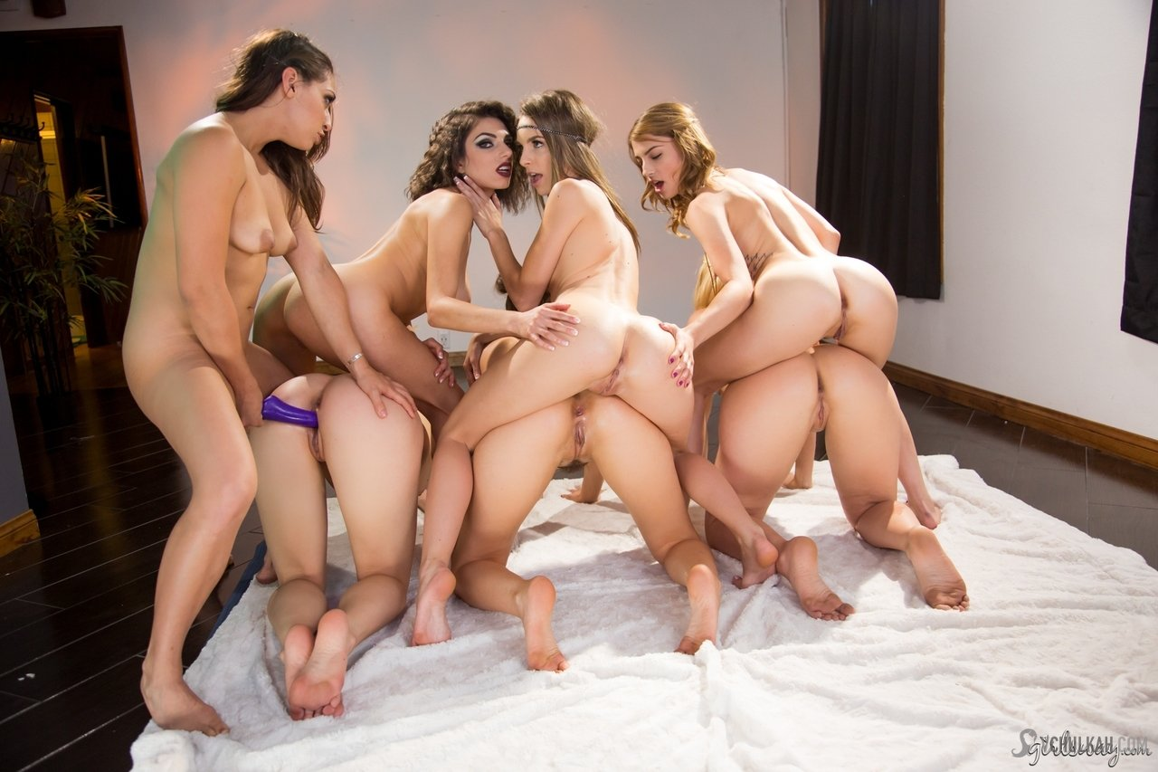 Hot lesbian orgy starring delicious filles