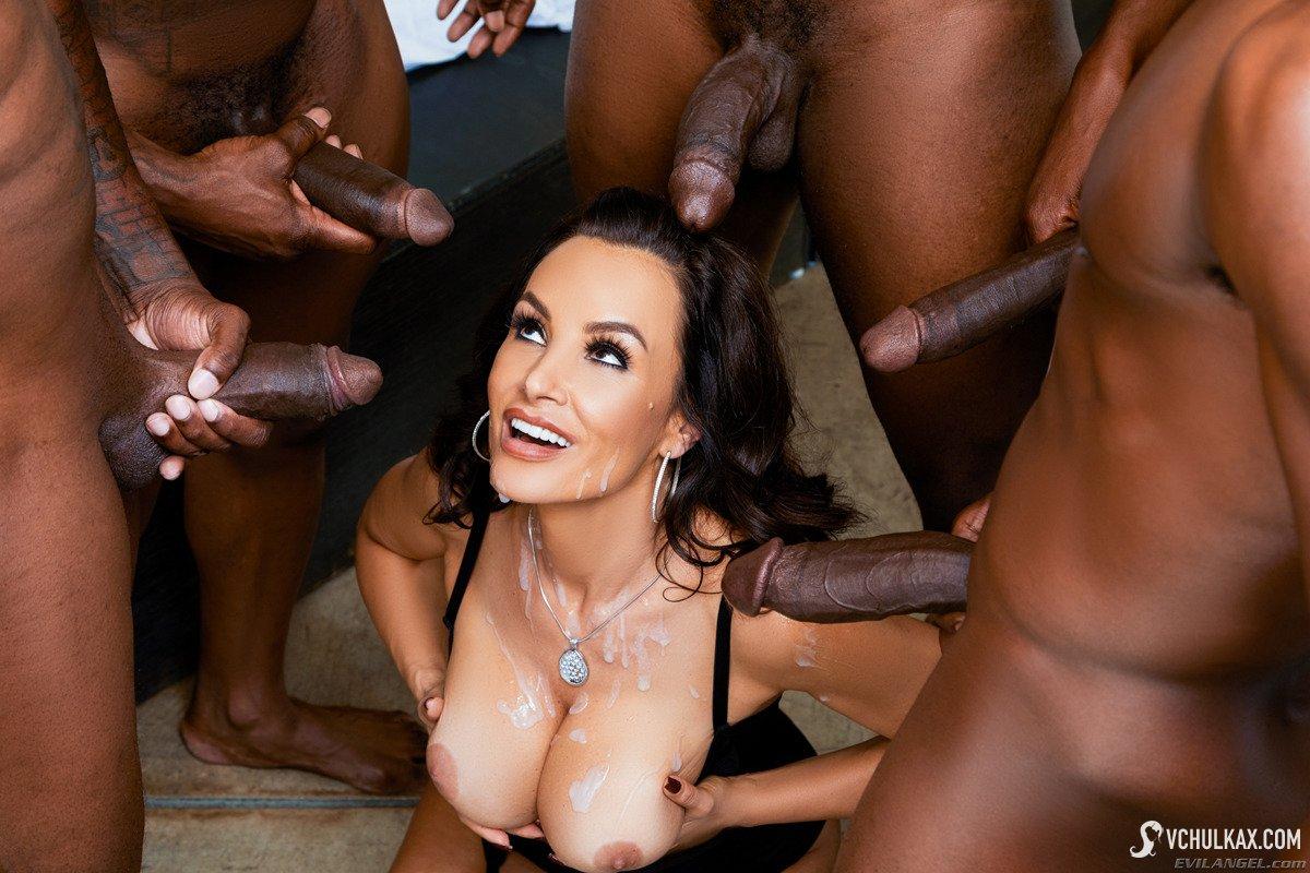Milf lisa ann's interracial threesome