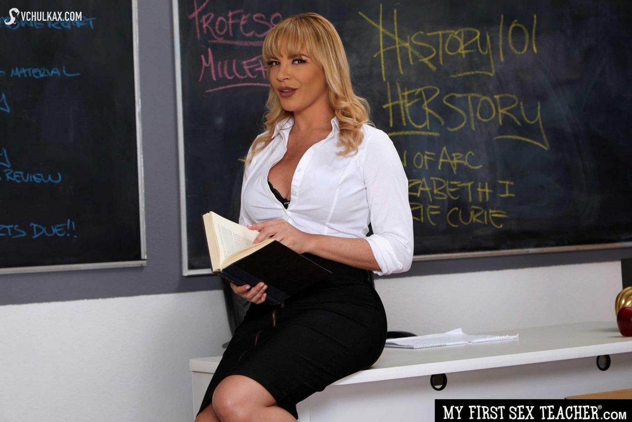 Преподавательница Записалась В Откровенном Видео Порно Формата